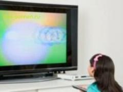 Чем опасен телевизор для ребенка?