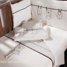Как выбрать кровать-манеж для новорожденного?