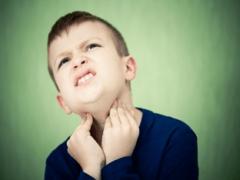 Чем лучше и как правильно лечить тонзиллит у ребенка?
