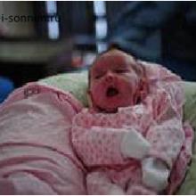 Почему новорожденный чихает?