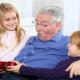 Старость в радость или что подарить дедушке на день рождения?