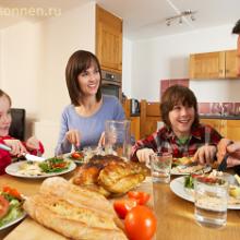 Как приучить ребенка соблюдать традиции семейного ужина?