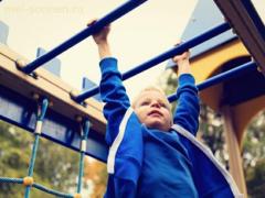 Как научить ребенка подтягиваться на на перекладине?