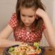Почему ребенок подросток отказывается от еды?