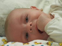Что вы знаете о появлении первых зубов у малыша?