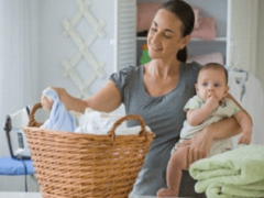 С какими трудностями сталкивается молодая мама?