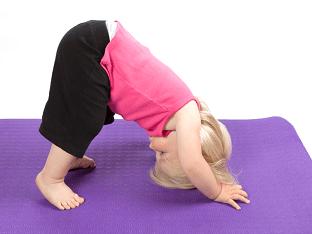 В чем польза йоги для ребенка?