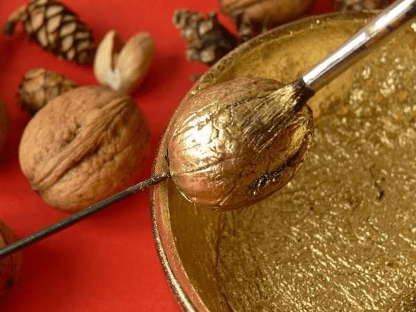 11Какие поделки смастерить из скорлупы грецких орехов