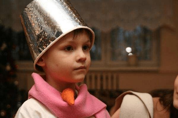 1Как сшить новогодний костюм снеговика для мальчика своими руками