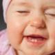 Как определить прорезывание зубов у грудничка?