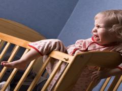 Как отучить ребенка писаться по ночам?