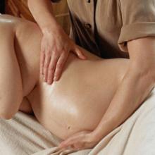 Чем полезен массаж при беременности?