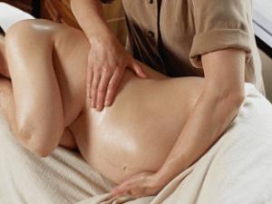 Чем полезен массаж при беременности