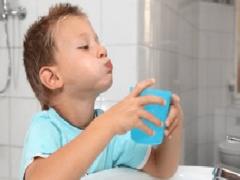 Применяется ли Хлоргексидин для полоскания горла детям