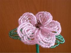 Цветы из бисера своими руками: схемы и фотоКак сплести цветы из бисера своими руками, советы начинающим и схемы плетения