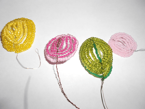 Цветы из бисера своими руками схемы и фото5