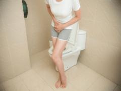 Понос при беременности: причины, что делать?