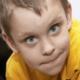 О чем могут свидетельствовать синяки под глазами у ребенка?